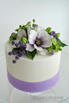 Sugar flowers cake, Cosmea, lavender, hydrangeas and lilacs out of sugarpaste, gumpaste