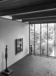 The two floors of The Giacometti Gallery at the Louisiana Museum of Modern Art Unusual Buildings, Beautiful Buildings, Brick Architecture, Interior Architecture, Interior Design, Modern Scandinavian Interior, Louisiana Museum, Mid Century House, Museum Of Modern Art