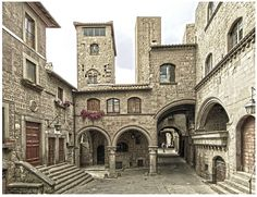 Viterbo Gita romantica in Italia http://tormenti.altervista.org/weekend-romantici-in-italia/