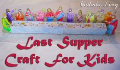 This printable craft is perfect for kids for holy Thursday! It is a rendition of da Vinci's Last Supper scene, and makes a great craft and centerpiece for Holy Week. Jesus Crafts, Catholic Crafts, Catholic Kids, Catholic School, Da Vinci Last Supper, Doubting Thomas, Crafts For Kids, Diy Crafts, Easter Crafts