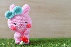Free Bunny Holder Amigurumi pattern to make. Make it by using some stashed yarns and the free crochet / amigurumi pattern in the tutorial. – Page 2 of 2 Crochet Gratis, Crochet Patterns Amigurumi, Cute Crochet, Amigurumi Doll, Crochet Dolls, Easter Bunny Crochet Pattern, Stuffed Toys Patterns, Crochet Projects, Crochet Ideas
