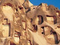 秘密基地? 隠れ家? カッパドキアの洞窟の中に潜むラグジュアリーホテル : カフェグローブ