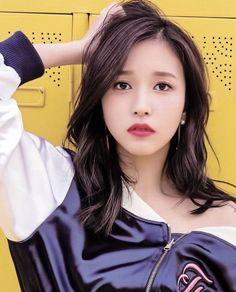 "twice mina 미나 ( ""slay right? omg why so hawt! my heart melted instantly after see this HAHA, sexy shoulder…"" Twice Mina Kpop Girl Groups, Korean Girl Groups, Kpop Girls, Nayeon, Twice Chaeyoung, Asian Girl, Asian Woman, Sana Momo, Myoui Mina"