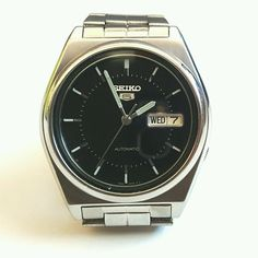 c8392f87228 Vintage Seiko Automatic Self Winding Men s Day Date Wrist Watch