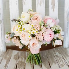 Ashley Cox; Big Spring farm; The South; budget-friendly; budget wedding; soft bouquet; boquuet with pink, peach and lemon; peonies; daisies; babys breath;