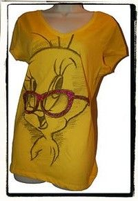 Flirty Bird Tweety Looney Tunes  Women/'s T-Shirt by Junk Food