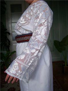 Work of Ludmyla Turchenyak from Chernivtsi. Cutwork Embroidery, Ukrainian Art, Folk Costume, Filet Crochet, Kimono Top, How To Make, Models, Outfits, Clothes