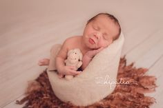 Newborn photography  www.hipatiafotografia.es