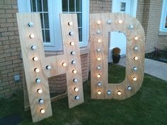 Just in case your guests forget who's wedding they are at, why not have a (not so) subtle reminder in the form of giant flashy light letters in the shape of your initials?!
