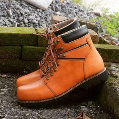 Instagram media by pusatsepatukulit - Untuk sepatu ready stok silahkan follow :  @pusatsepatukulit_readystok  #vsco #vscocam #sepatukulit #shoemaker #menshoes #menfashion #sepatuboots #sepatuhandmade #leathergoods #footwear #magetan #boots #leatherboots #leathershoes #jogja #surabaya #samarinda #makasar #bali #shoesaddict #shoestagram #pantofel #ootd #sepatucouple #sepatutouring #menstyle #safetyshoes #oxford #craftmanship #vintage