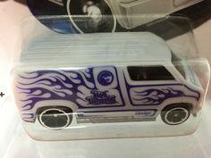 Hot Wheels Color Shifters - 77 Dodge Custom Van (Treasure Hunt)
