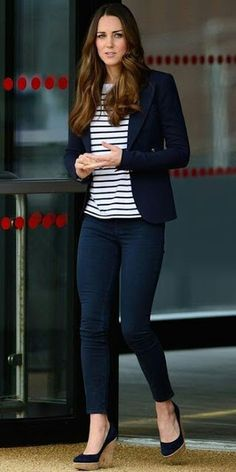 Kate Middleton's Most Memorable Outfits The Duchess of Cambridge Kate Middleton revved up hervolleyball style at a SportsAid Athlete Workshop pairing her J Brandskinnies with a striped Ralph Lauren top a navy Smythe blazer andStuart Weitzman wedges. Casual Work Outfits, Mode Outfits, Office Outfits, Work Casual, Casual Chic, Fall Outfits, Fashion Outfits, Womens Fashion, Dress Casual
