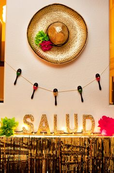 A Cinco de Mayo party is the perfect time to get creative with these fun, DIY decoration ideas. Check out some of our favorite decor ideas and festive party decorations for your Cinco de Mayo fiesta. Mexican Fiesta Party, Fiesta Theme Party, Taco Party, Mexico Party Theme, Theme Parties, Bar Mexicano, Mexican Birthday, 40th Birthday, Fiestas Party