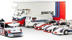 Malete Dorowski ist Tüftler, Lego- und Motorsport-Fan. Jetzt hat er aus diesen Hobbys ein Spielzeug gebastelt. Das Porsche Martini Racing Set.