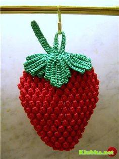 DIY by AngieGurumi Amigurumi: Strawberry Scrubber Crochet Free ñ_ñ Crochet Strawberry, Crochet Fruit, Crochet Food, Crochet Kitchen, Crochet Chart, Crochet Motif, Crochet Flowers, Crochet Patterns, Knitting Patterns