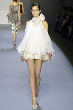 Giambattista Valli Spring 2007 Ready-to-Wear Collection - Vogue
