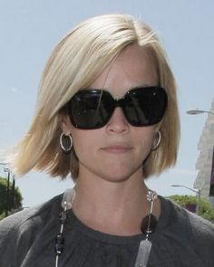 reese witherspoon medium length hairstyles | Reese Witherspoon Out and About Shopping