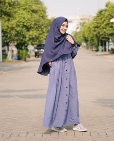 Abaya Fashion, Modest Fashion, Fashion Outfits, Muslim Women Fashion, Islamic Fashion, Dress Muslim Modern, Hijab Style Dress, Casual Hijab Outfit, Hijab Fashion Inspiration