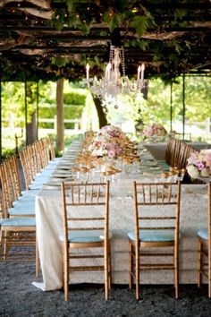 Wedding planning isn't easy, that goes without saying. And wedding planning from across the world is a feat all its own. But this beautiful mama-turned-bride proved it's positiviely possible thanks to top-notch vendors like Amy Nichols, Nancy Liu Chin and Chic Wedding, Wedding Trends, Wedding Table, Wedding Styles, Dream Wedding, Wedding Ideas, Wedding Inspiration, Wedding Prep, Wedding Dinner