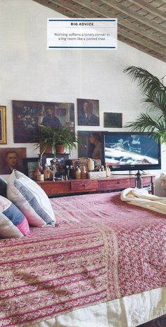 Blend tv with art : Dan Marty Design