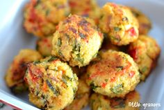 Spinach, Feta & Red Pepper Balls -looks amazingly easy to adapt to local cheeses & different greens. Spicy or not so spicy.