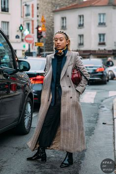 See Every Unforgettable Street Style Outfit From Paris Fashion Week Right Here, Right Now Street Style, Street Chic, Street Fashion, Women's Fashion, Winter Fashion Outfits, Autumn Winter Fashion, Rockabilly, Rock And Roll, Indie