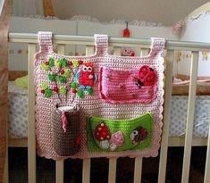 Органайзер на детскую кроватку по работе @vendulkamcrochet  #органайзер #длядочки #вязаниевинтерьере #вязание_крючком #вязаниемоехобби #handmade #crochet #formygirl#irafat_crochet