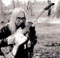 Guitar savant: J Mascis