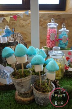 chamallow champignon smurf candy bar Smurfs, Candy, Deco, Desserts, Marshmallow, Mushroom, Comic, Sweet, Toffee