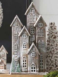 Wood House With Trees Christmas Wood Crafts, Homemade Christmas Decorations, Cool Christmas Trees, Christmas Villages, Simple Christmas, Christmas Home, Holiday Decor, Driftwood Crafts, Rustic Crafts