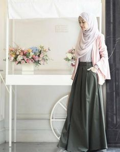 47 Ideas For Fashion Style Hijab Maxis fashion 668995719629668377 Modest Dresses, Modest Outfits, Casual Dresses, Maxi Dresses, Modest Clothing, Hijab Casual, Street Hijab Fashion, Skirt Fashion, Fashion Dresses
