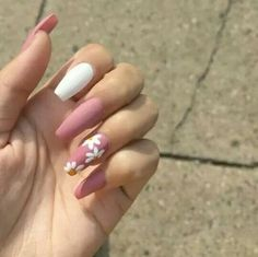 Adding some glitter nail art designs to your repertoire can glam up your style within a few hours. Check our fav Glitter Nail Art Designs and get inspired! Summer Acrylic Nails, Best Acrylic Nails, Cute Acrylic Nails, Acrylic Nail Designs, Nail Art Designs, Nails Design, White Nail Art, White Nails, Pink Nails