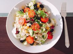 Mediterrán csicseriborsósaláta Nap, Granola, Tofu, Cobb Salad, Quinoa, Salads, Health, Workout, Recipes