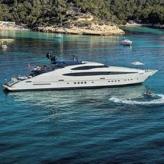 YACHT PROFILE - Shipyard #PalmerJohnson - Yacht: 149.93ft(45.7m)  MY/Oneness - Year Delivered:  2009 - Accommodations 12 - Cabins: 5 - Crew: 8 - Interior Designer: #NuvolariLenard - Exterior Designer #NuvolariLenard - Charter Yacht: NO - Charter Rate: NA per week Summer NA Winter  Expenses -  For Sale @northropandjohnson - Asking: $18500000 ---------------------------- #YachtingLifestyle365 #BestSuperyacht #BestSportYacht ---------------------------- #BestofYachting #YachtingLifestyle…