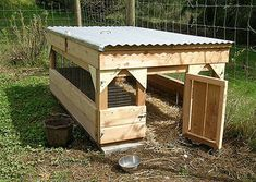 Don't let your pet ducks freeze out there! Implement one of these 47 DIY Duck House And Duck Coop Plans to keep them safe and comfy. Easy Chicken Coop, Chicken Coop Plans, Building A Chicken Coop, Chicken Tractors, Backyard Ducks, Backyard Farming, Chickens Backyard, Duck Enclosure, Duck House Plans