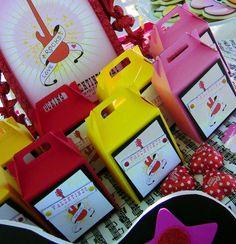 {Love Rocks!} Rockin' the Valentine's Party Scene | CatchMyParty.com