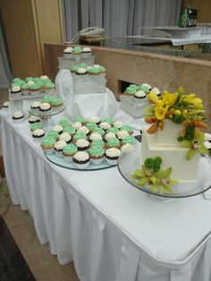 Green wedding cake table