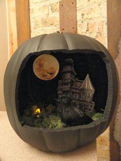 The Spooky World of Halloween Pumpkin Dioramas Halloween Diorama, Halloween Shadow Box, Halloween Fairy, Halloween Miniatures, Halloween Scene, Halloween Goodies, Holidays Halloween, Vintage Halloween, Halloween Pumpkins