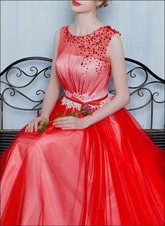 Schickes Brautjungfernkleid mit Strass-Steinen Rot Weiss
