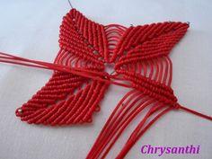 ΑΛΕΞΑΝΔΡΙΝΟ | kentise Beaded Flowers, Diy Flowers, Crochet Flowers, Macrame Knots, Micro Macrame, Crochet Designs, Crochet Patterns, Macrame Dress, Macrame Design
