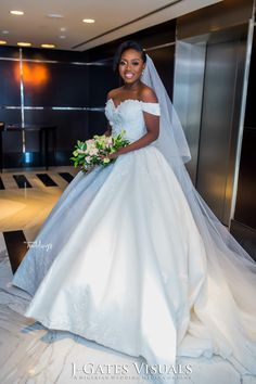 in Dubai Had a Beautiful Outdoor Vibe Lace Mermaid Wedding Dress, Black Wedding Dresses, Wedding Dresses Plus Size, Bridal Dresses, Bridesmaid Dresses, Wedding Looks, Bridal Looks, Dream Wedding, Gold Wedding Colors
