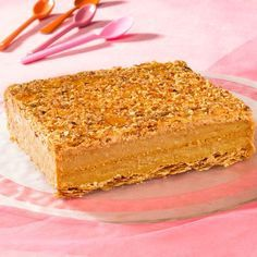 Découvrez la recette Millefeuille praliné sur cuisineactuelle.fr.