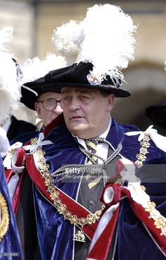 In A Black Velvet Hat With Ostrich Feather, The Duke Of Westminster (gerald Grosvenor) As A Newly Installed Knight Of The Most Noble Order Of The Garter Walked In Procession At Windsor Castle. The Blue Velvet Mantle Is Worn By All Members Of The Garter. The Chain Collar Is Made Of Alternate Gold Knots And Blue Garters Enclosing Roses, And From It Is Suspended The George Which Is The Figure Of St. George And The Dragon In Gold And Enamel.