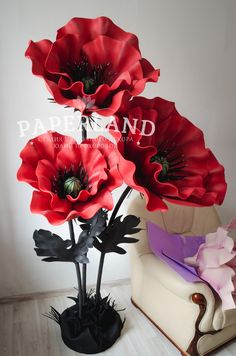 paper flower centerpieces 52 Ideas For Flowers Paper Centerpiece Paper Flower Centerpieces, Paper Flowers Craft, How To Make Paper Flowers, Large Paper Flowers, Paper Flower Backdrop, Giant Paper Flowers, How To Preserve Flowers, Big Flowers, Flower Crafts
