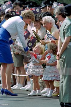 Princess Diana receives a bouquet of flowers from little twin sisters upon her Arrival at the Hong Kong Police Training School , on the last day of her Official Tour on the of November Prince And Princess, Princess Kate, Princess Of Wales, Princess Diana Pictures, Hm The Queen, Bad Picture, British Royal Families, House Of Windsor, English Royalty