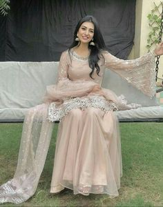 Looking Pretty in a traditional attire is a sight not be missed Shadi Dresses, Pakistani Formal Dresses, Eid Dresses, Party Wear Dresses, Pakistani Outfits, Indian Dresses, Fashion Dresses, Indian Outfits, Nikkah Dress