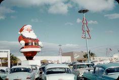 Ala Moana Mall, Honolulu Oahu, Hawaii Homes, Frozen In Time, Vintage Hawaii, Santa Baby, Retro Futurism, Life Photo, Christmas Colors