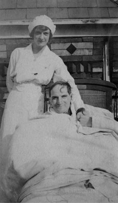 Nurse and patient, Jewish Hospital, Albert Einstein Medical Center, Philadelphia, n.d. Image courtesy of the Barbara Bates Center for the Study of the History of Nursing.