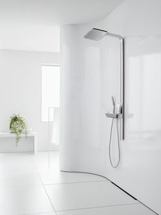 The #Hansgrohe Raindance E Showerpipe fits perfectly with puristic ambience.
