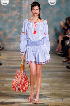 Smocking: bohemian, feminine and adds definition — one of Tory's favorite texture techniques #toryburch #toryburchss16 #nyfw